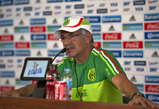 Photo during the press conference of the Mexican national soccer team  at High Performance Center, before the match against United States, in the photo: Ricardo Ferretti Coach of Mexico   Foto durante la conferencia de prensa de la Seleccion Nacional de futbol de Mexico en el Centro de Alto Rendimiento, antes del partido contra Estados Unidos, en la foto: Ricardo Ferretti entrenador de Mexico   05/10/2015/MEXSPORT/Javier Ramirez.
