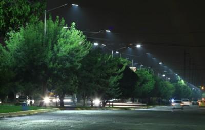Con iluminación LED, Urdiñola luce mejor.- vecinos (2)