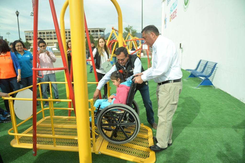 Inaugura Isidro 3 Modulos Mas De Juegos Para Ninos Con Discapacidad