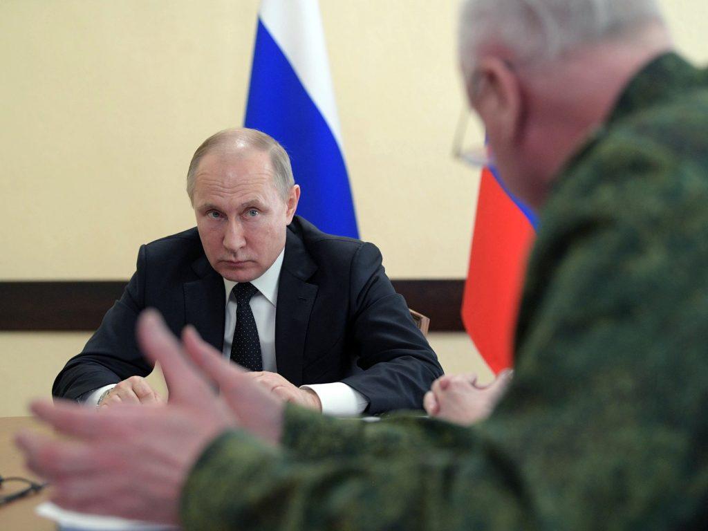 'Trump aún quiere reunirse con Putin pese a tensiones Rusia-EEUU'