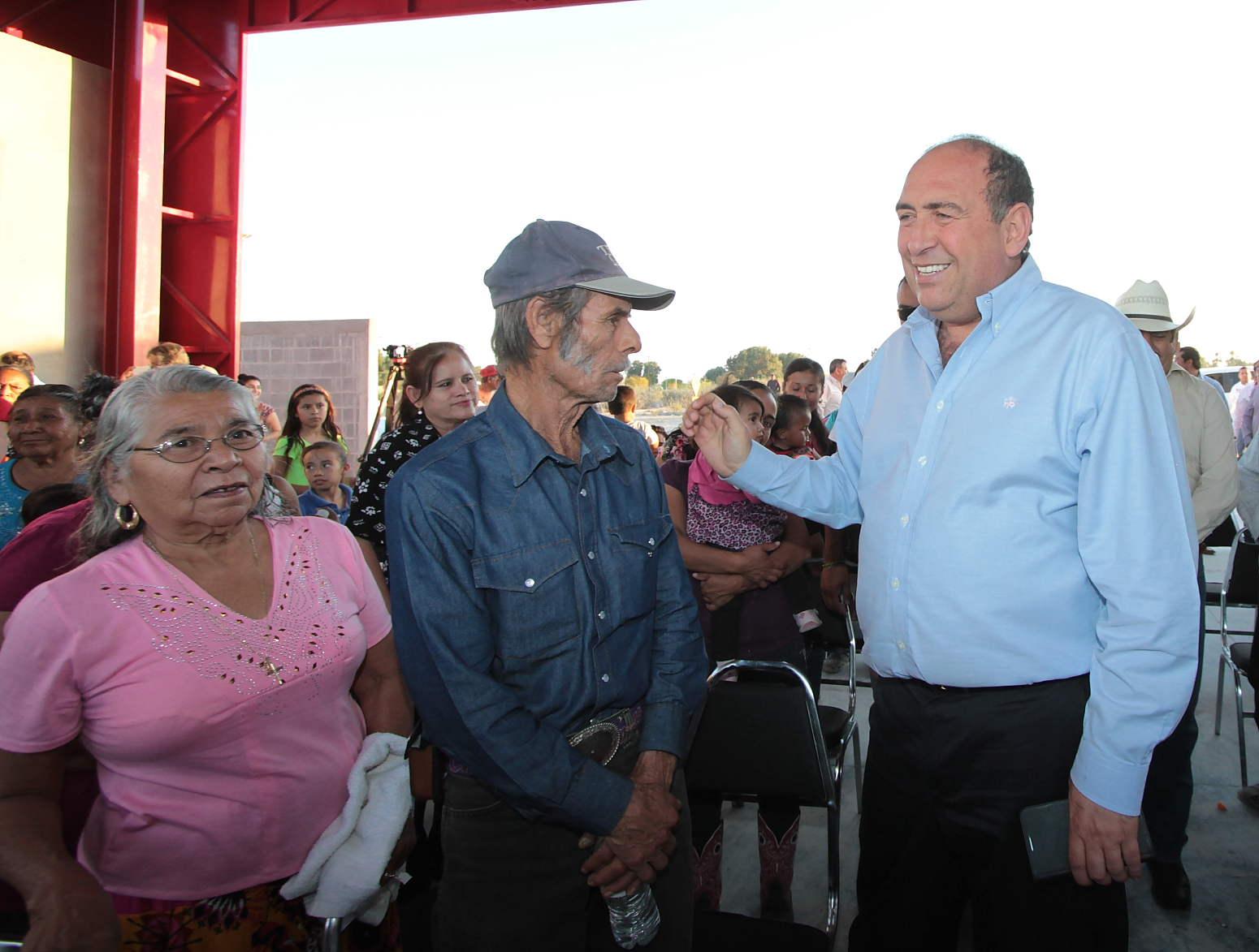 Ejido 1 De Mayo Escobedo Coahuila Gracias A Las Reformas Energeticas Del Presidente Enrique Pena Nieto Y A La Buena Coordinacion Entre El Gobierno