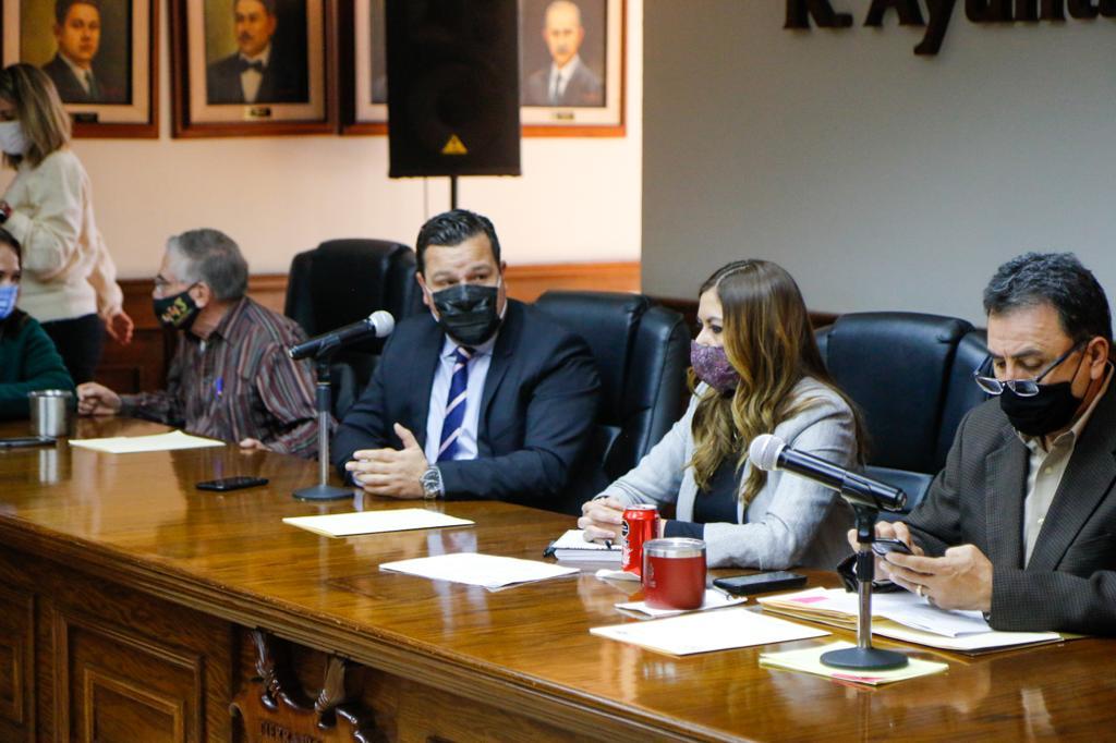 Comparecen directores municipales ante regidores en Saltillo