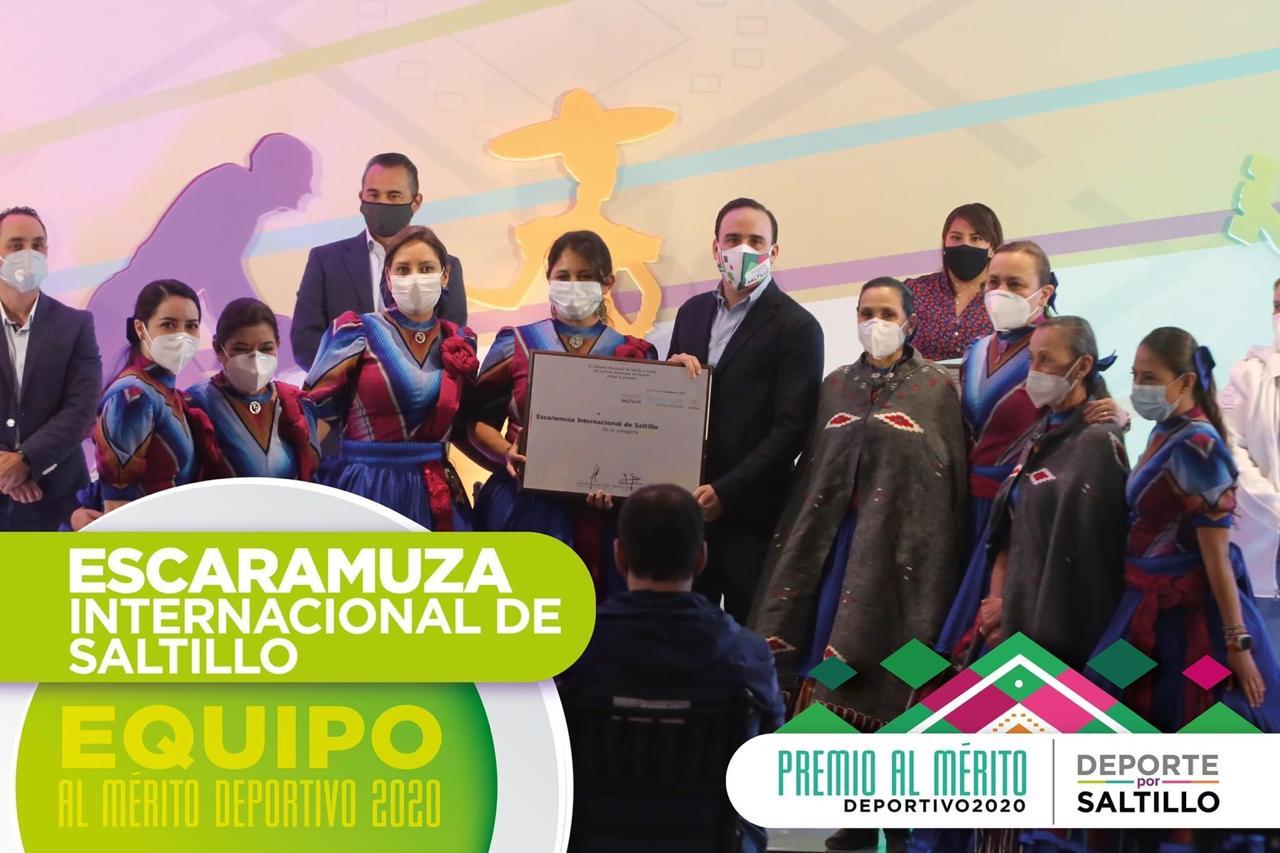 Manolo entrega el Premio al Mérito Deportivo 2020