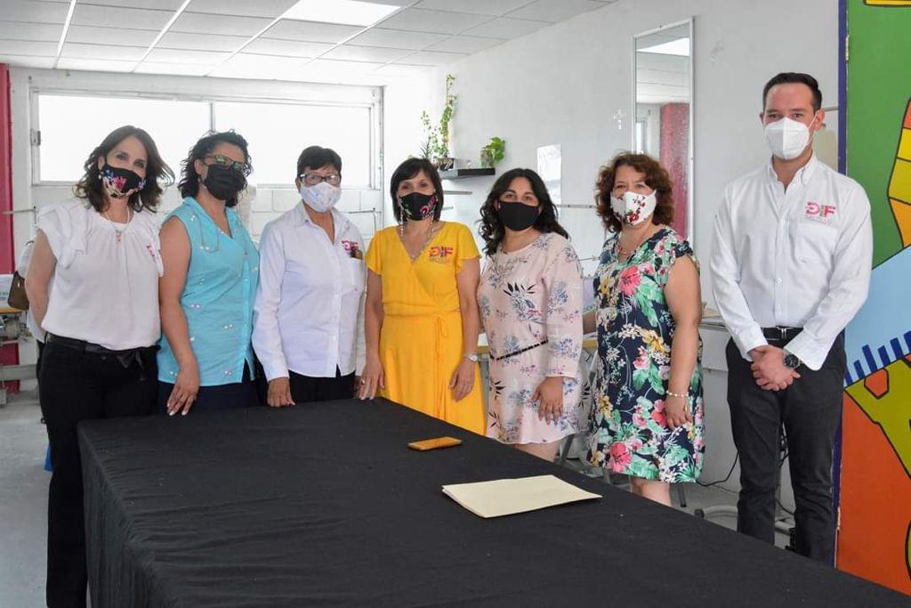 Se gradúan cientos de ciudadanos de los talleres del DIF Saltillo