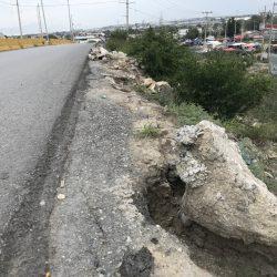 Curva se vuelve peligrosa tras derribarse barrera de metal